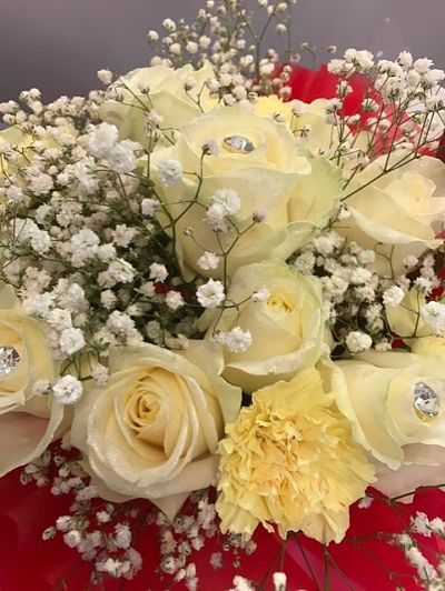 Cream Delight £27| Florists Widnes | Flowers by Carol